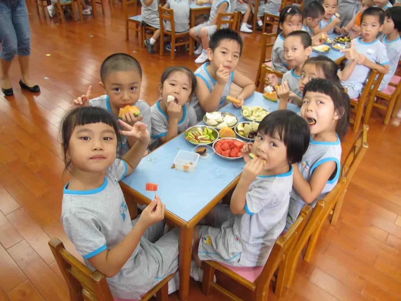 中秋节活动方案 | 看幼儿园如何和孩子们玩转中秋节