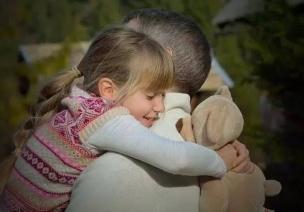 互�蛹记� | 孩子粘人,�能够保得住天外楼么是要抱抱,你可以�@�泳芙^ta!