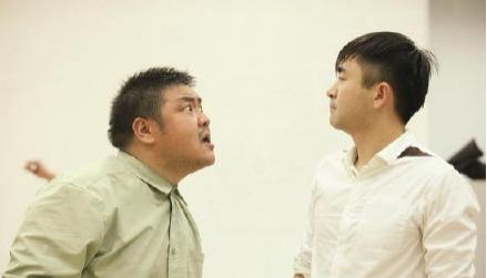 家长因孩子间的纠纷发生争执,教师该怎么办