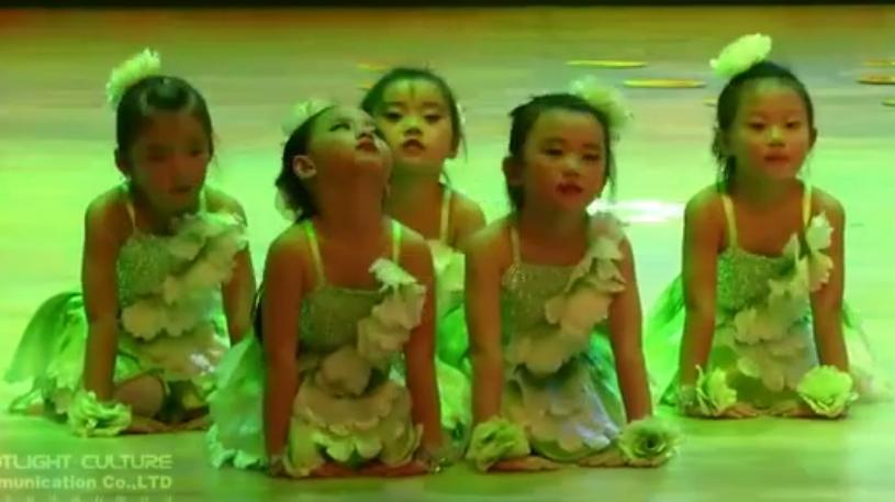 元旦舞蹈 | 《微笑的季节》
