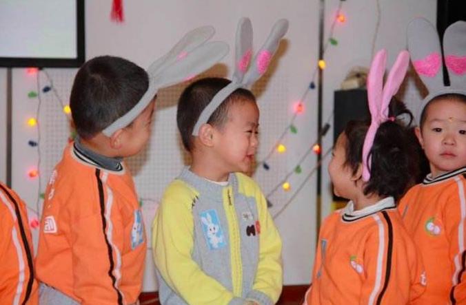 中班元旦联欢   如何引导孩子自己组织一场联欢会?