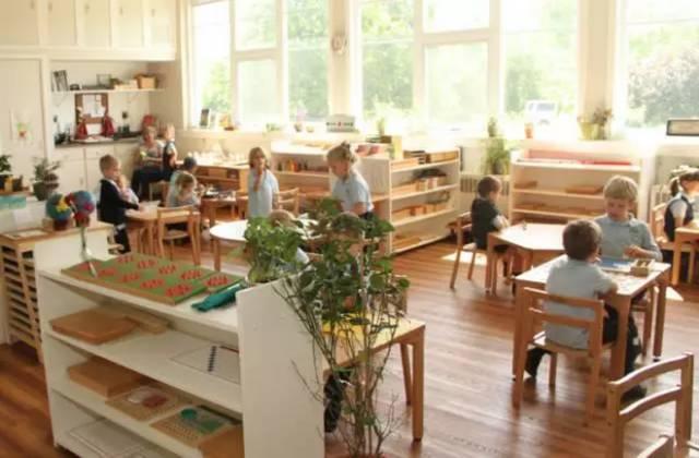 蒙台梭利 | 蒙氏园的5个区域和丰富教具