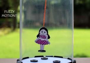 超神自制玩教具 | 磁力:鬼畜风格的女孩和青蛙