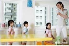 话题 | 为什么幼师工资那么低?