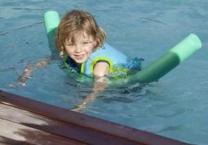 暑期游戏   12个让幼儿迅速上瘾的水游戏,低龄幼儿必玩!