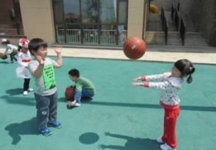 游戏 | 户外游戏之球的多种玩法,赶快带娃玩起来!