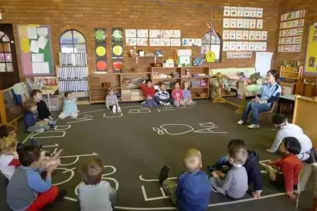 世界那么大,你该看看国外幼儿园如何进行消防教育!