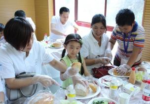 Summer聊食育 | 餐前、餐中、餐後,如何�_展食育�n程?