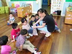 小班科學領域教案 |《和氣球寶寶做游戲》
