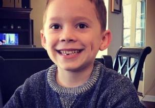 假笑男孩、4�q神童:�g呼散去,他��的童年�剩下什麽?