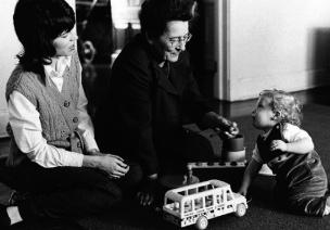 婴儿期建立的依恋关系,原来对成人后的人际关系影响这么大!