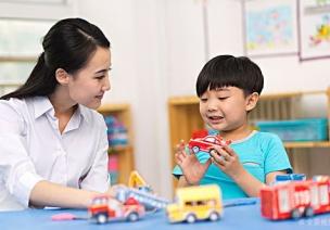 危机处理 | 家长发来孩子挨打的视频之后,老师应该怎么办?